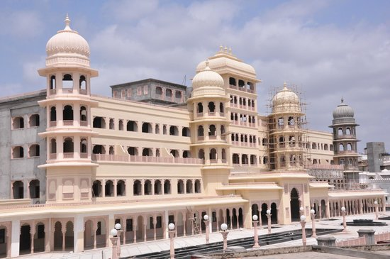 "Explore The Shrine Of The ""Apollo Of Mewar"" In Nathdwara"