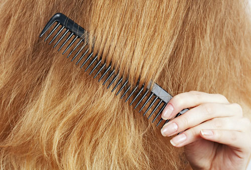 4 Rare Things You Can Do To Reduce The Frizz In Your Hair