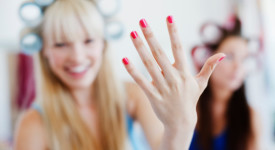 Know How To Keep Your Nails Healthy From The Expert In The Industry