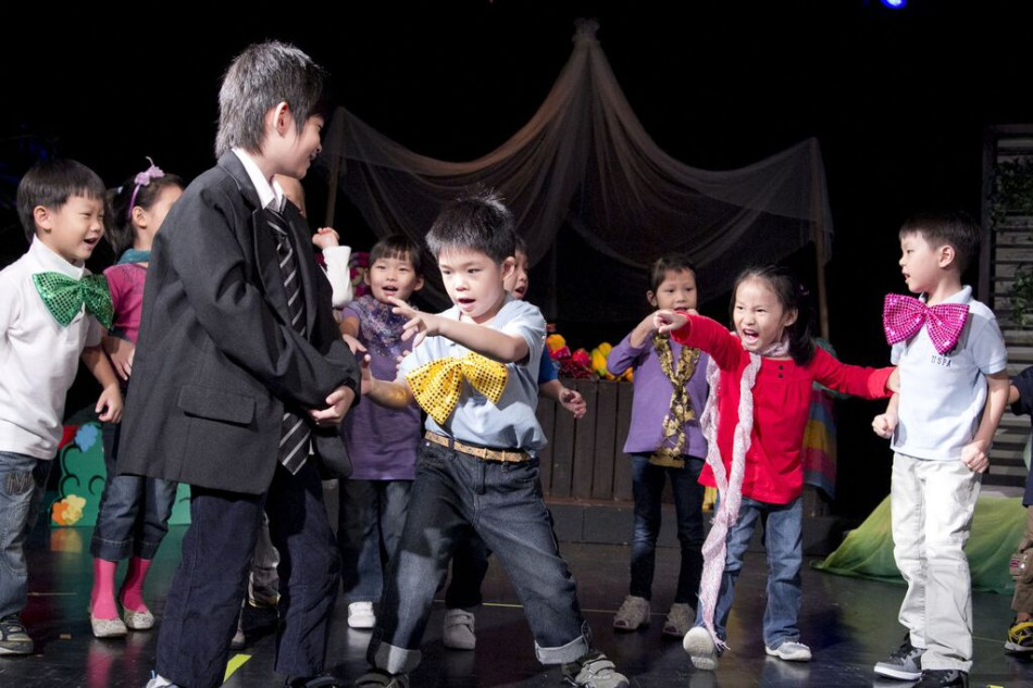 How Drama Based Learning Helps Kids With Their Communication Skills